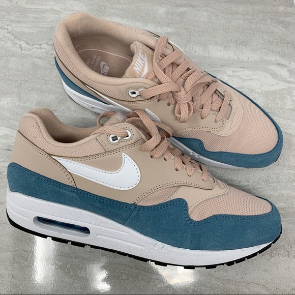 "Nike Womens Air Max 1 US Size 7.5 ""Atomic Teal"" NWT"